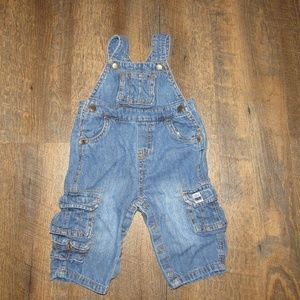 Children's Place overalls boy size 6-9 months
